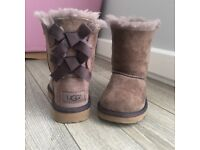 Kids uggs size 7