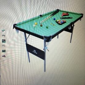 Pool /snooker table