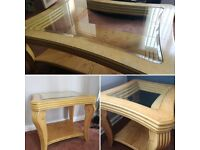 Set of 3 solid wood coffee tables with glass centre
