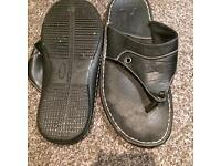Black mens sleepers flip flops