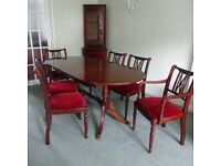 Dining Table made from Solid Mahogany and 6 chairs (2 carvers)