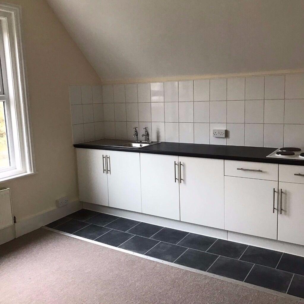 Studio Flat £400 Pcm