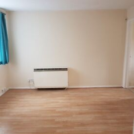 Single Rooms to LET 350 PCM All Inclusive