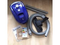 Bagged Vacuum Cleaner, perfect condition, can be dismantled