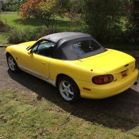 2000 Mazda MX5 yellow 1.6 selling as spares or repair no Mot but runs drives - sports car rwd