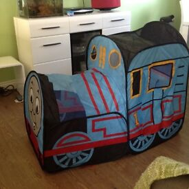 Pop up play tent - Thomas the tank engine theme