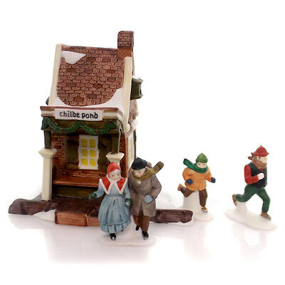 Dept 56 Dickens Village ~ Childe Pond And Skaters ~ Mint In Box 59030