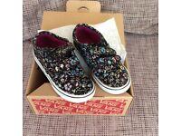 Girls shoes. Vans canvas shoes. Size 8 in original box.