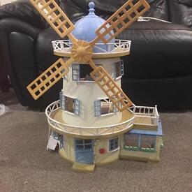 Sylvanian Families Windmill Dolls house