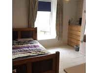 Lovely two bedroom flat for rent- Perfect for young professionals/students
