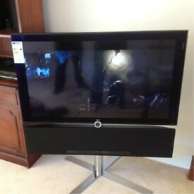 "40"" Loewe Individual LED TV, Boxed as new Sound projector and chrome crossed stand"