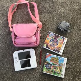 Nintendo 2DS White / Red with Tomodachi Life Built In & other games