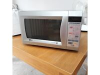 LG Intellowave 900W Microwave