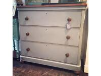 Large antique Victorian chest of drawers