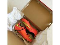 Nike HYPERVENOMS - Pink - SIZE 8
