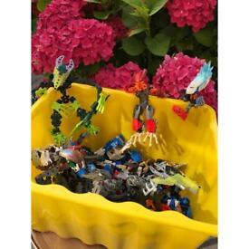 2.6kg of Lego robots