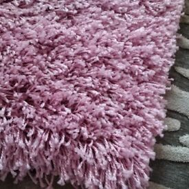 large long pile high density shaggy pink rug in vgc can deliver