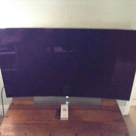 LG 55inch OLED 4K / 3D curved Smart TV model EG 960v - excellent condition