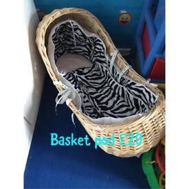 Moses basket/pod
