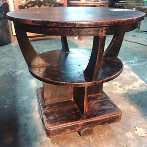 Table basse, de chevet ou d'appoint, Antique provenant d'Indonésie // Antique Coffee table from Indonesia