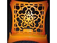 Le creuset recipe/book stand cast iron