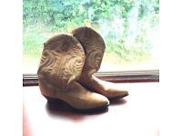 Camel/tan cowboy boots - size 5