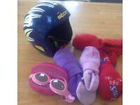 Assorted Kids Ski Accessories (Ski Helmet, 4x Ski Socks & Folding Sun Goggles