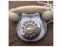 Retro ceramic telephone ☎️