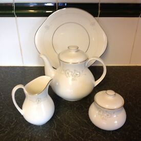 Tea set - Royal Doulton Mystique Tea Set