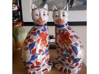 A LARGE PAIR OF ANTIQUE JAPANESE IMARI CATS
