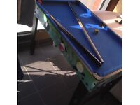 Free kids snooker table