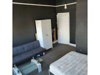E2 - Kingsland Rd studio apt for single occupation w/ en suite, wifi & bills incl - private landlord