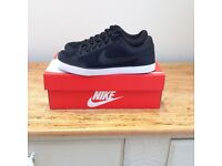 Unisex Nike Capri trainers size 4, worn once