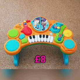 Music Piano Table