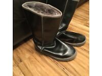 Black leather ugg like boots in ex.condion 7-7.5