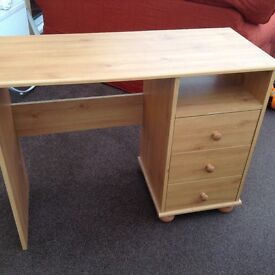 Desk/dressing table pine effect