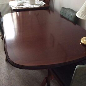 Dining Table - extending - No chairs - £35