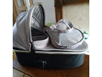 Oyster 2/ Oyster max CarryCot almost new