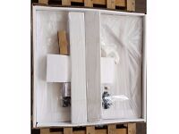 Manhattan Square Shower Tray 800mm x 800mm Concealed Waste - Condition: New
