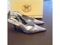 Ladies fashion shoes. Farfalla Collection. Size 38 (5). Silver Grey.