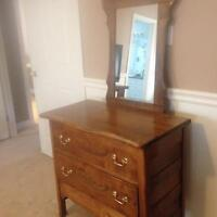 Drawer and Mirror set