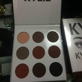 Kylie eyeshadow kit