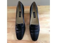 Bally - black leather shoes