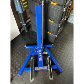 Motorcycle Lift ( Eazyrizer Big Blue)