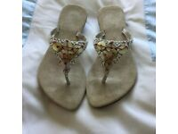 Beautiful beaded flip flop style sandals size 6/7