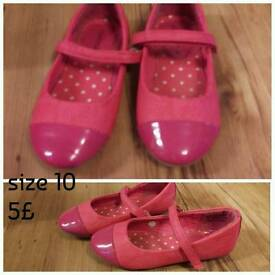 Kids shoes size 10