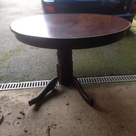 Mahogany round table and 4 chairs BARGAIN