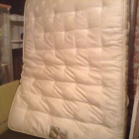 King size mattress,superb condition,£85.00
