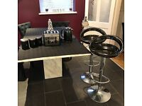 Kitchen package - Toaster / kettle / storage tinns / x2 bar stools