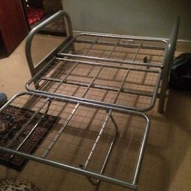 METAL FUTON BASE